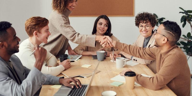 kako-podjetnikom-pomaga-odkup-terjatve