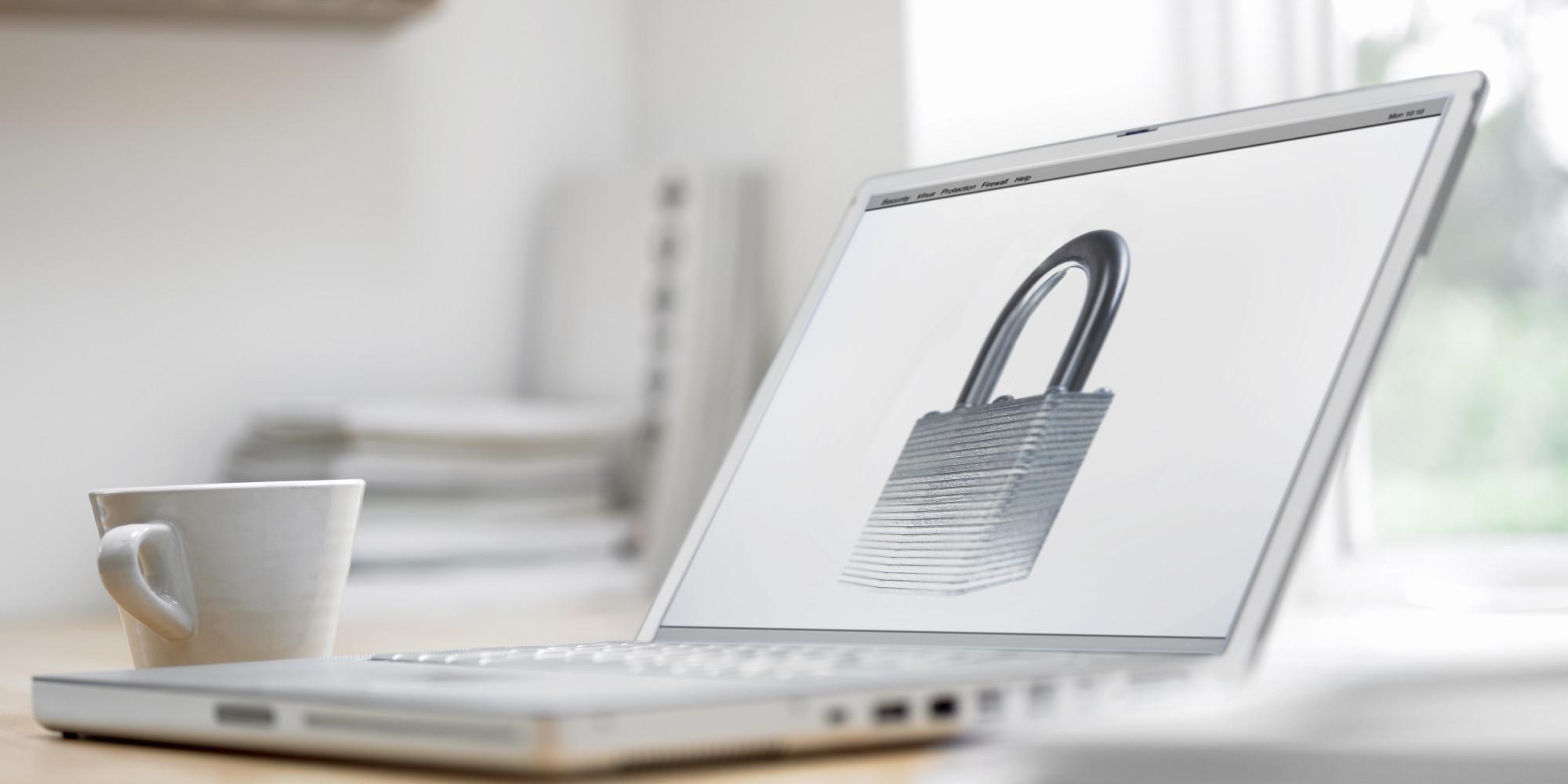 Kako se zaščitim pred krajo identitete na spletu?