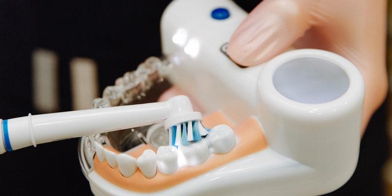 zobni-implantati-cena-je-odvisna-od-vec-dejavnikov