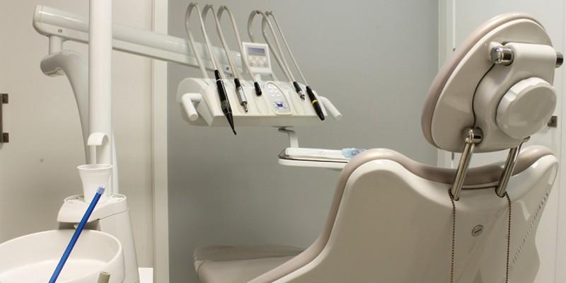 zobni-implantati-cena
